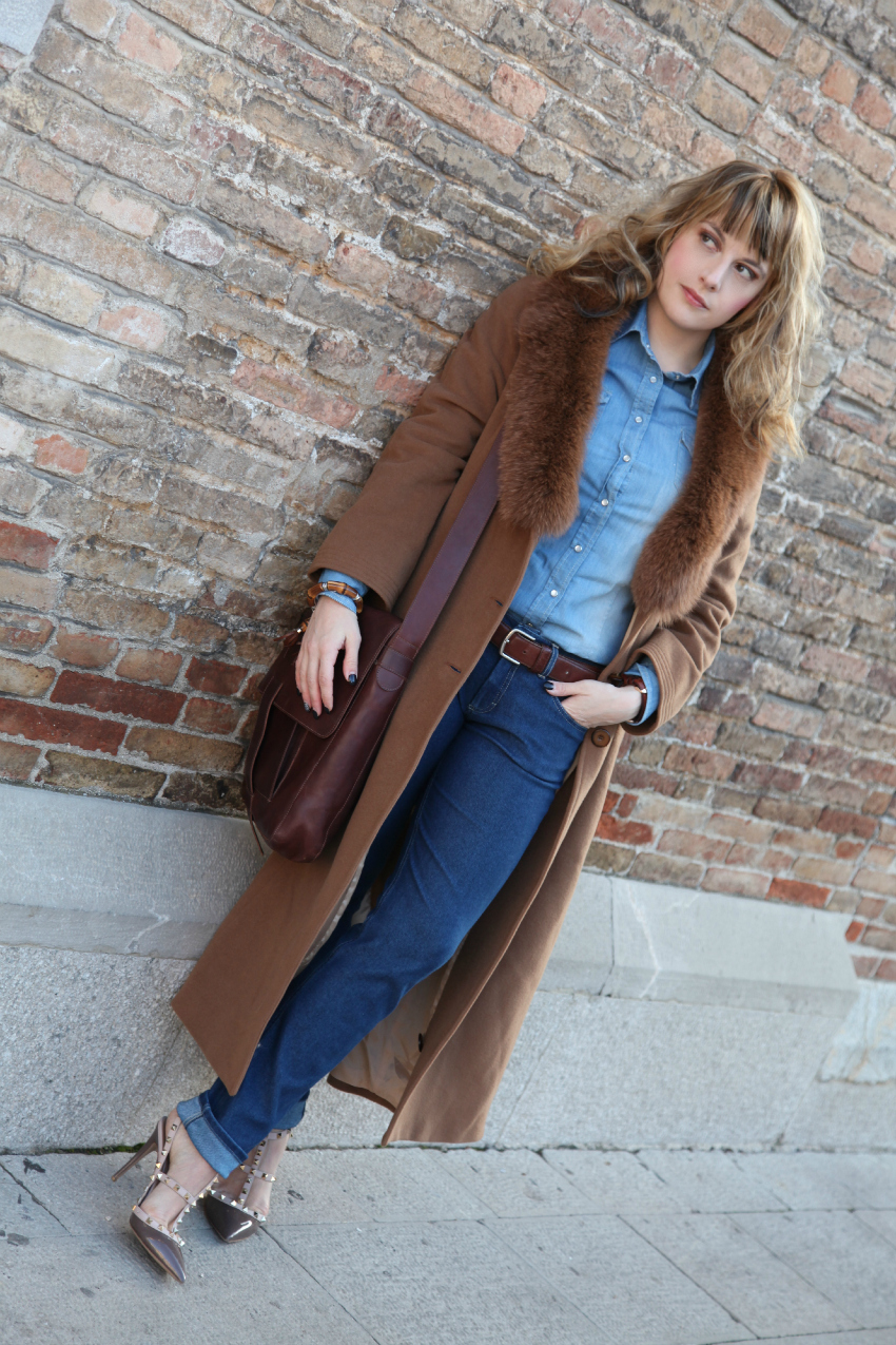 Camel + total denim, alessia milanese, thechilicool, fashion blog, fashion blogger, showroomprive , valentino rockstud shoes