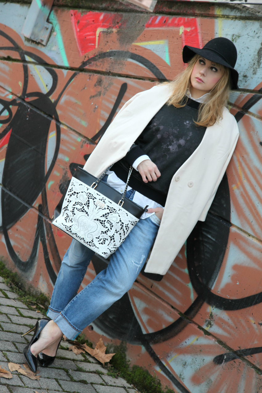 Bianco inverno ed un cappello, alessia milanese, thechilicool, fashion blog, fashion blogger, borsa cavalli class wear2go