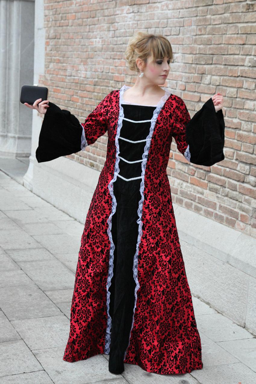 Il Carnevale, le regine ed il vento, là fuori., alessia milanese, thechilicool, fashion blog, fashion blogger, universo in festa costumi di carnevale