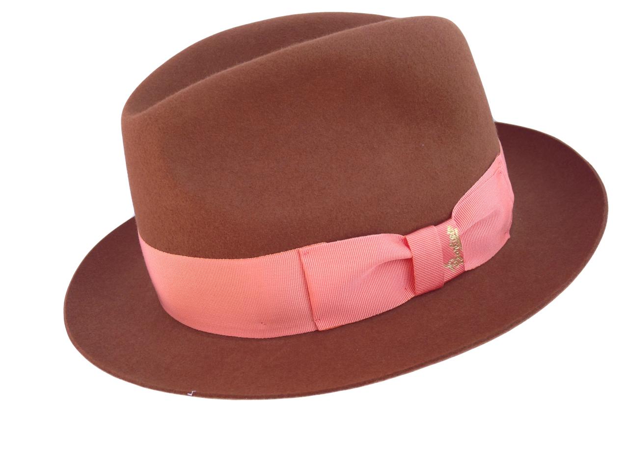 Barbisio  quando il cappello è simbolo di eleganza - TheChiliCool ... 65c7530ad25f